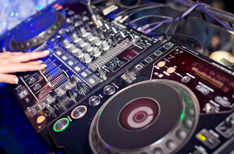 Miscelazione del DJ fotografia stock libera da diritti