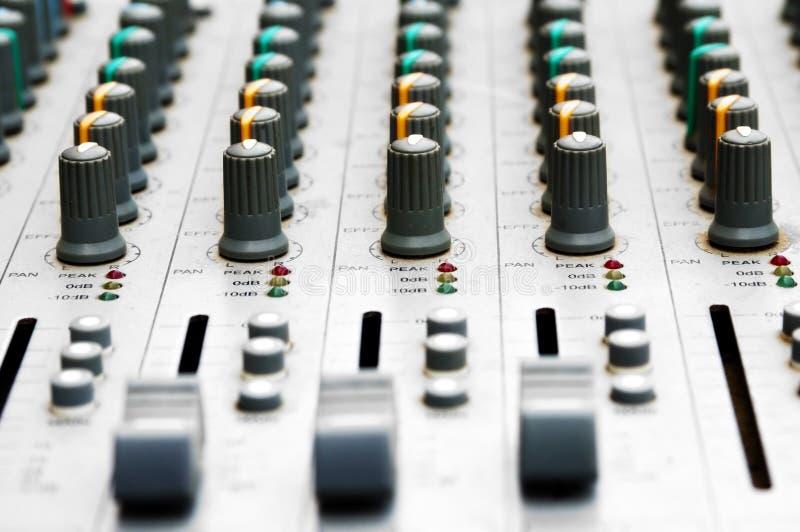 Mischender Audiovorstand stockfotografie
