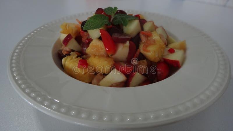 Mischfruchtsalat lizenzfreie stockbilder