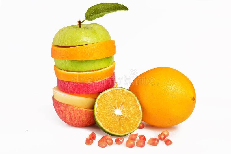 Mischfruchtscheiben, orange und grüner Apfel der frischen Obstsalat-, Apple-Birne lizenzfreies stockfoto