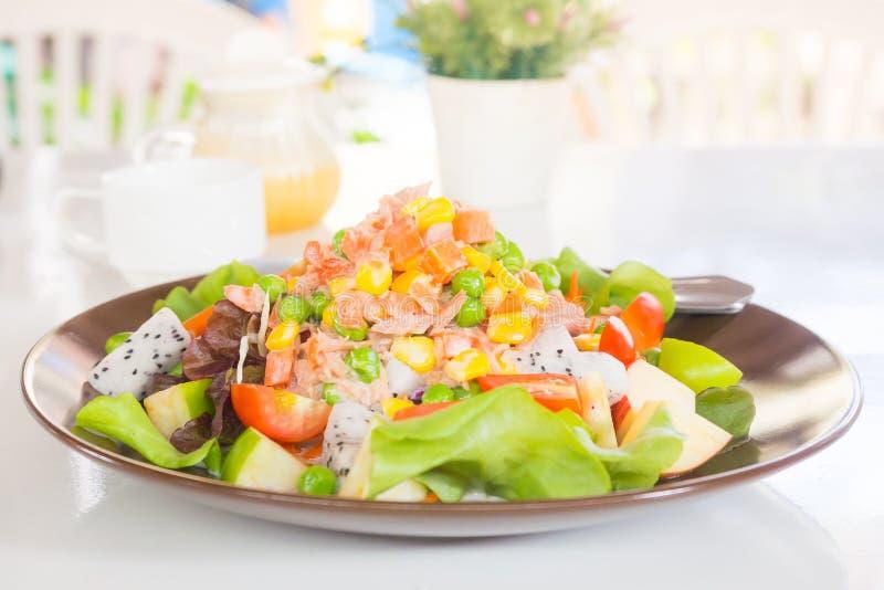 Mischthunfischsalat stockfoto
