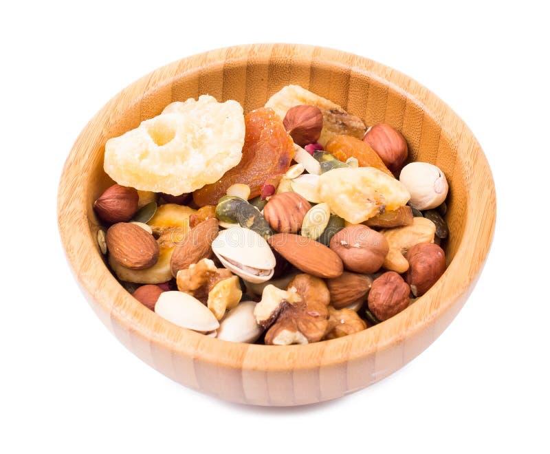 Mischung der nuts und trockenen Frucht in einer Schüssel lizenzfreie stockfotos