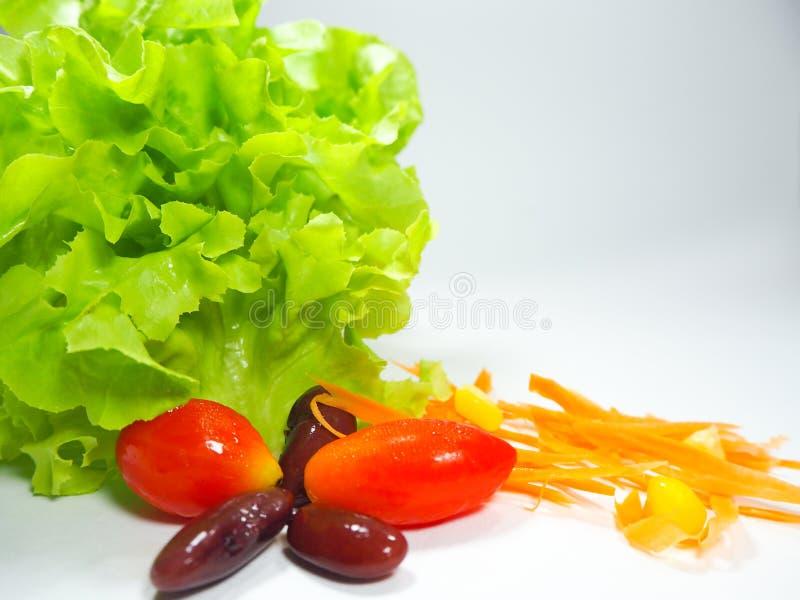 Mischung mit Tomate, Kopfsalat, Gurke Salat Lebensmittel für gesundes stockbilder