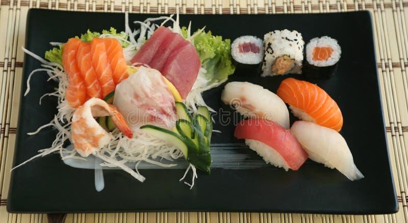 Mischungs-Sushisashimi stockfoto