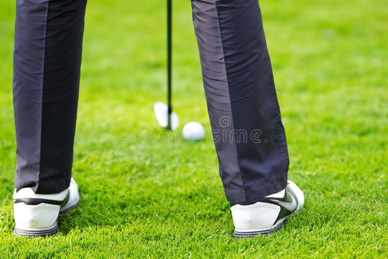 Mise du golfeur photographie stock libre de droits