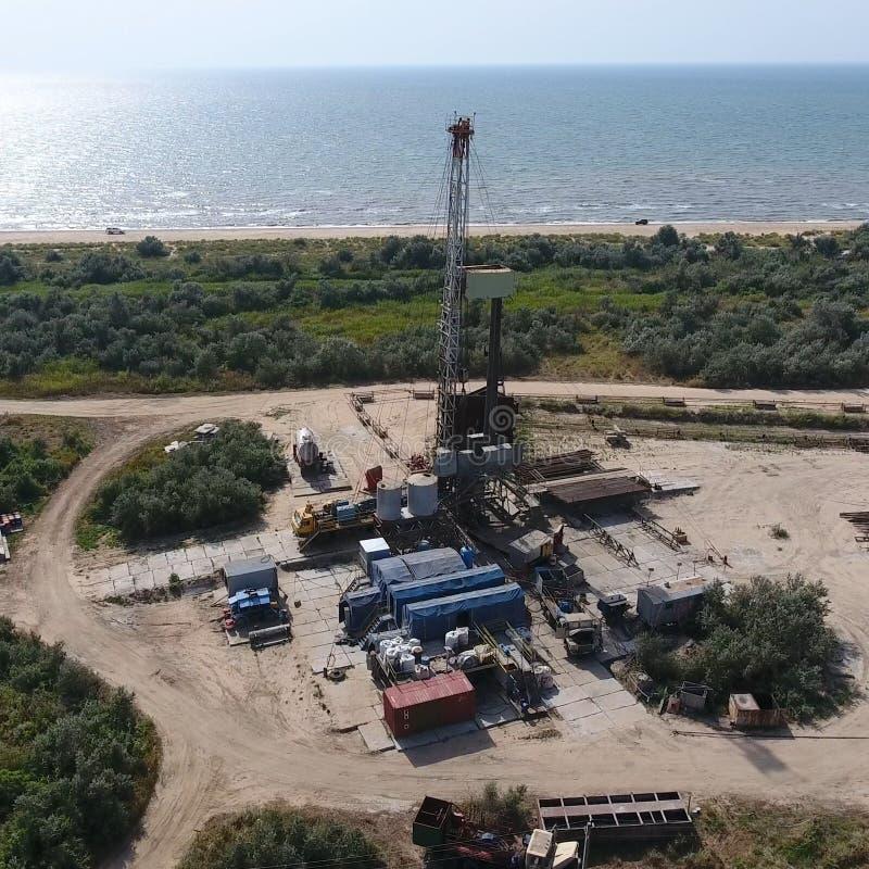 Mise en oeuvre de la réparation d'un puits de pétrole photo stock