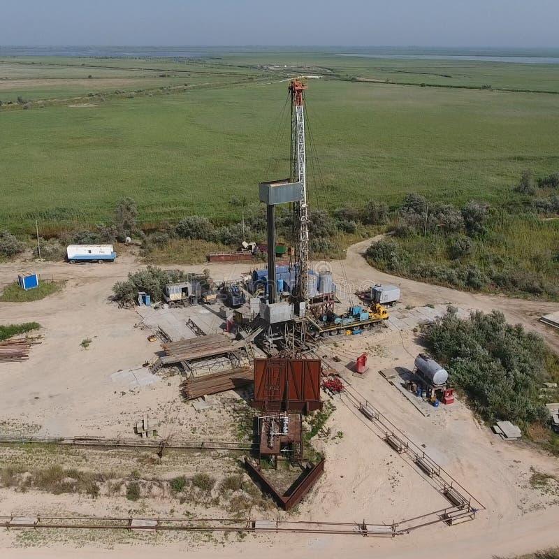 Mise en oeuvre de la réparation d'un puits de pétrole photographie stock libre de droits