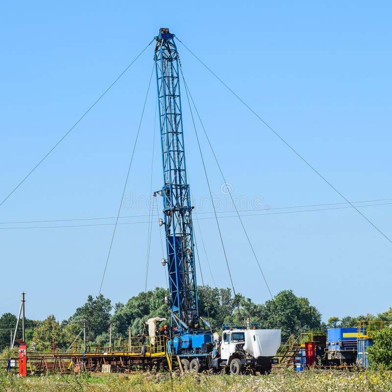 Mise en oeuvre de la réparation d'un puits de pétrole photos libres de droits