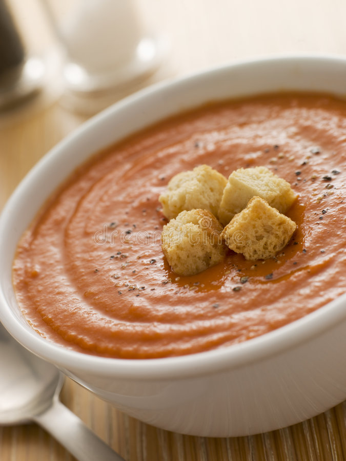misek zupy croutons pomidor obraz royalty free