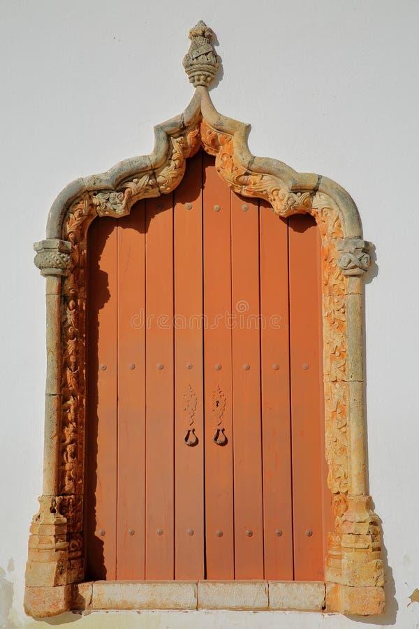 Misericordia kościół: szczegóły Manueline drzwi stawia czoło katedrę Silves, Algarve obrazy stock