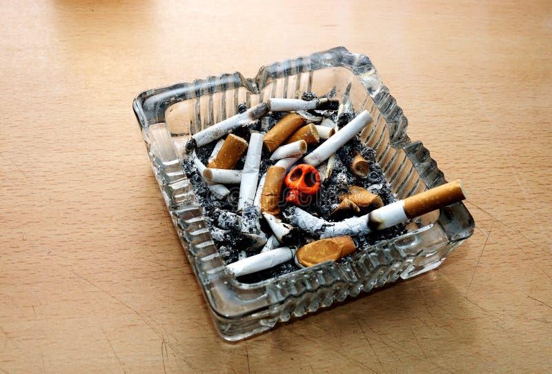 Mises à mort de tabagisme photo stock
