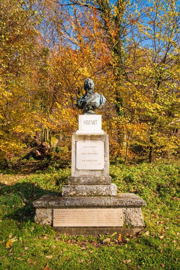 Mislukking van Wolfgang Amadeus Mozart in het park op Kapuzinerberg hil royalty-vrije stock fotografie