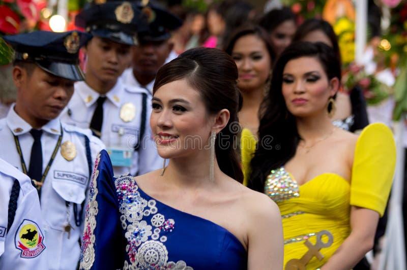Misser Philippines, Binibining Pilipinas sluit zich aan bij Santacruzan in Manilla royalty-vrije stock fotografie