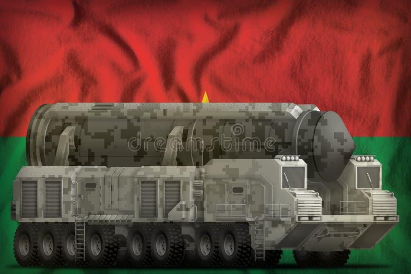 Missile balistique intercontinental avec le camouflage de ville sur le fond de drapeau national du Burkina Faso illustration 3D illustration stock