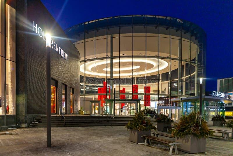 Mississauga, Kanada, am 14. Februar 2019: Das Einkaufszentrum des Quadrat-eins gelegen in Mississauga, Ontario, Kanada Das 3. grö stockbilder