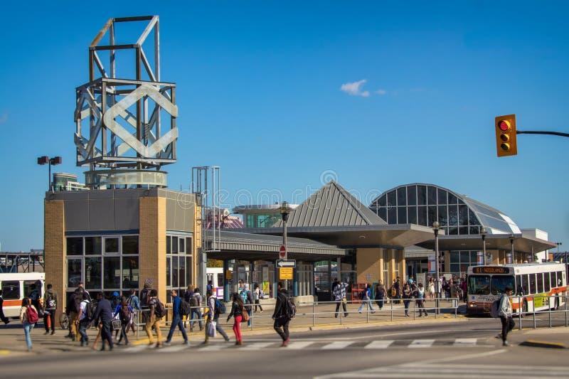 Mississauga-Stadtzentrum-Durchfahrt-Anschluss stockbilder