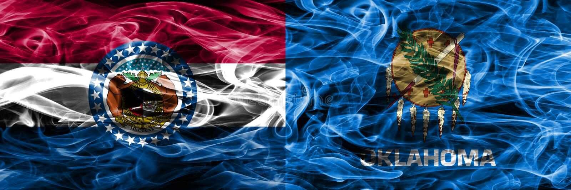 Missouri contra as bandeiras coloridas do fumo do conceito de Oklahoma colocadas de lado a lado imagens de stock royalty free