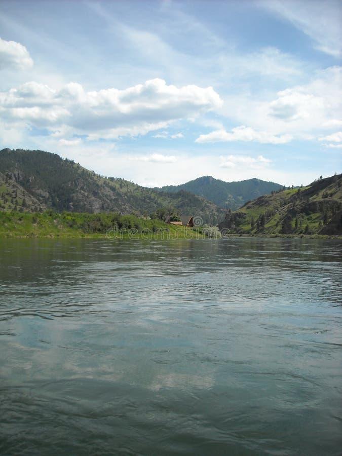 Missouri River nära Great Falls MT fotografering för bildbyråer