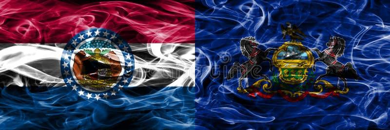 Missouri versus zij aan zij geplaatste vlaggen van de het conceptenrook van Pennsylvania de kleurrijke royalty-vrije stock fotografie