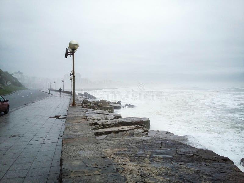 Mist på havet arkivfoto