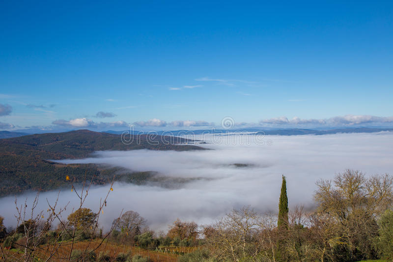 Mist in Val D ` Orcia royalty-vrije stock afbeelding