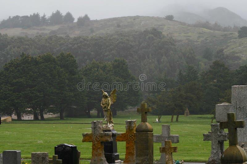 Mistige begraafplaats royalty-vrije stock foto's