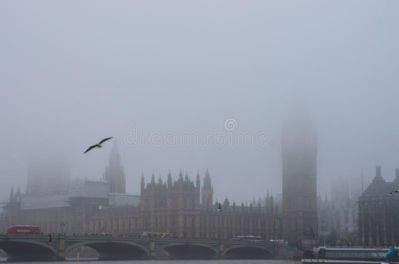 Mistige dag in Londen royalty-vrije stock afbeelding
