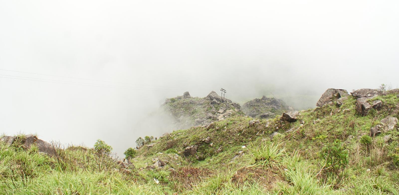 Mistige heuvelbovenkant bij Laitlum-Vallei, Shillong royalty-vrije stock foto's