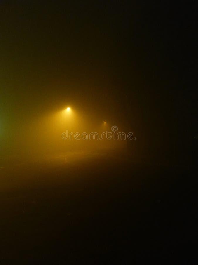 Mistige nacht stock foto's