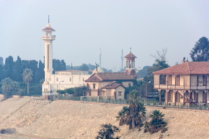 Mistige ochtend bij het kanaal van Suez royalty-vrije stock afbeeldingen