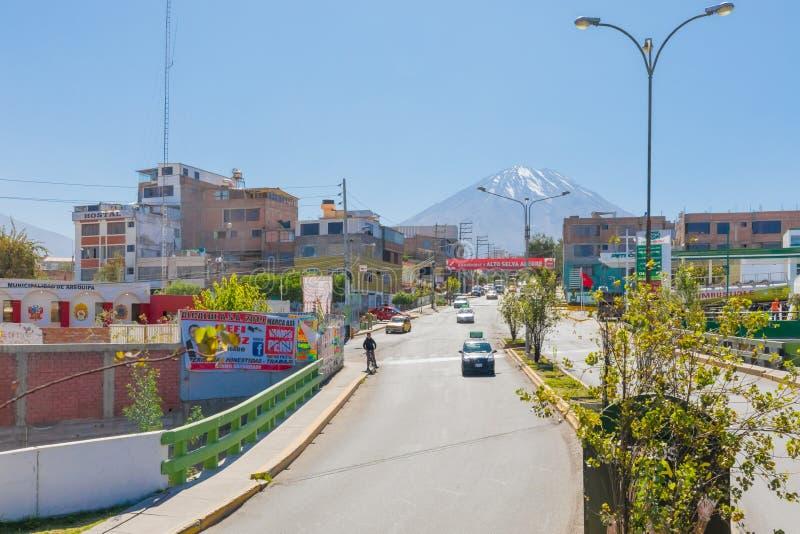 Mistivulkaan van de stad van Arequipa Peru wordt gezien dat royalty-vrije stock afbeelding