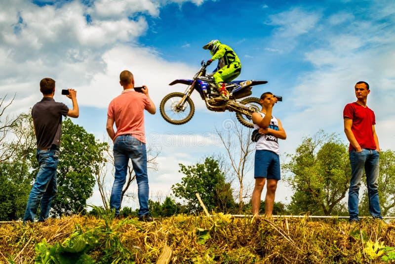 Mistrzostwo Zakarpatie region na motocross w Uzhhorod fotografia stock