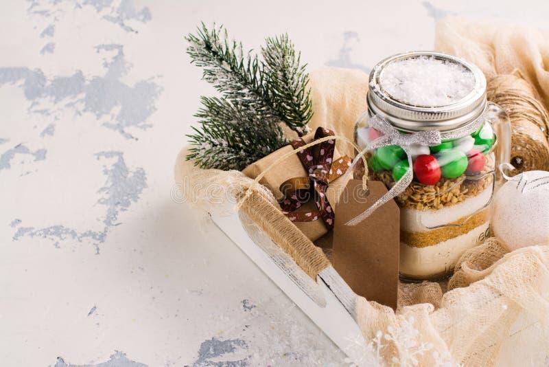 Mistura da cookie como um presente do Natal foto de stock