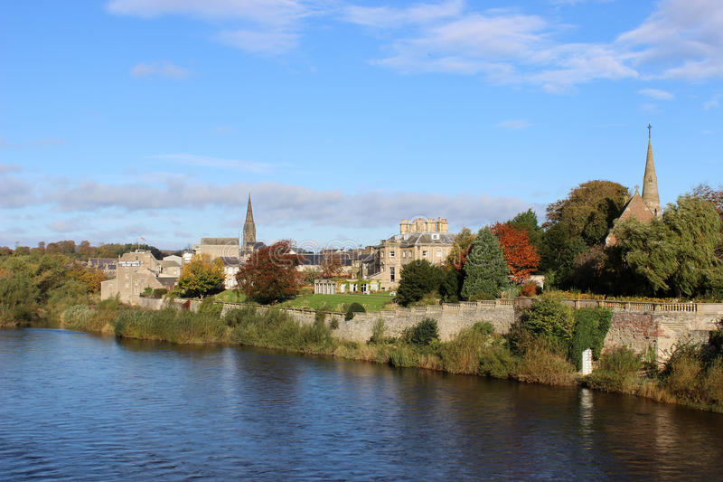 Mistura de lã do rio em Kelso, região de beiras, Escócia foto de stock