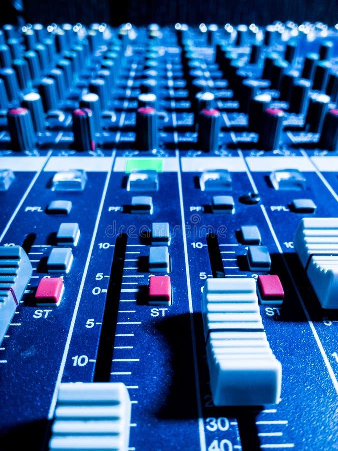 Misturador do estúdio da música imagem de stock