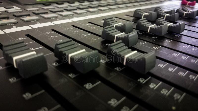 Misturador e botões audio imagens de stock royalty free