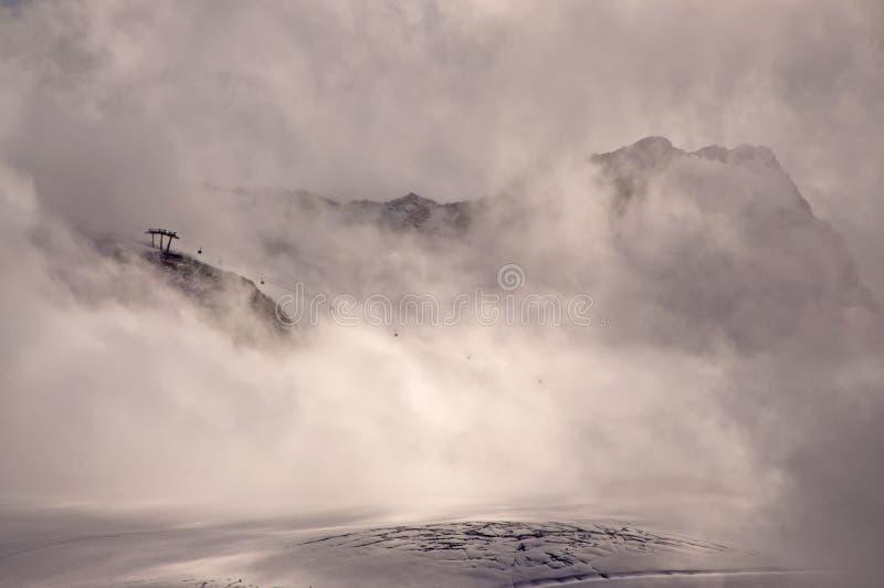misty βουνό στοκ φωτογραφία με δικαίωμα ελεύθερης χρήσης