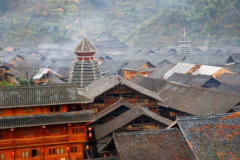 Misty χωριό μειονότητας Dong στην Κίνα στοκ φωτογραφία με δικαίωμα ελεύθερης χρήσης