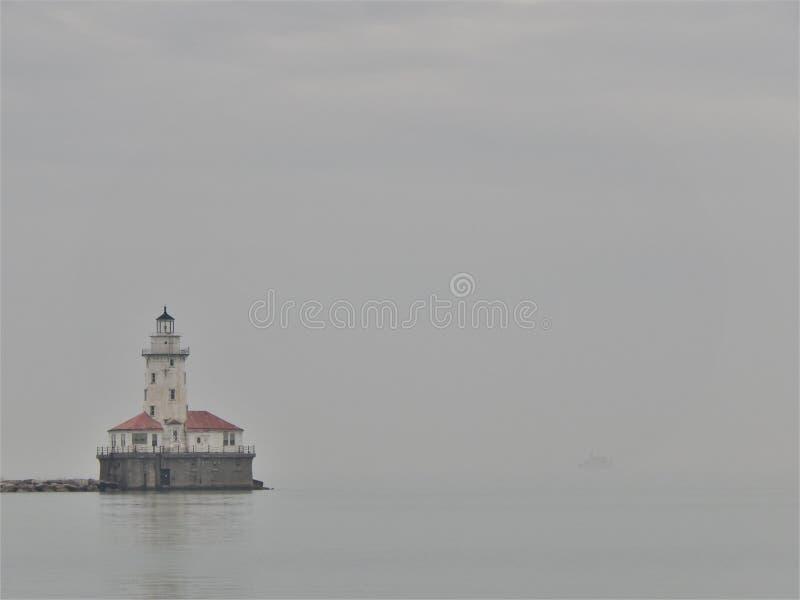Misty Day At het licht royalty-vrije stock afbeelding