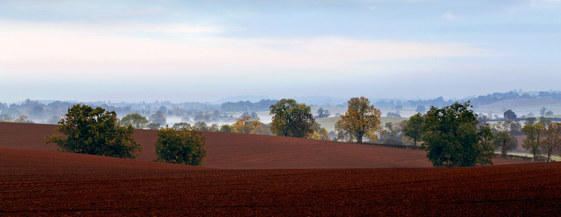 Misty Fields en Valleien van de Northamptonshire-Hoogten royalty-vrije stock foto's