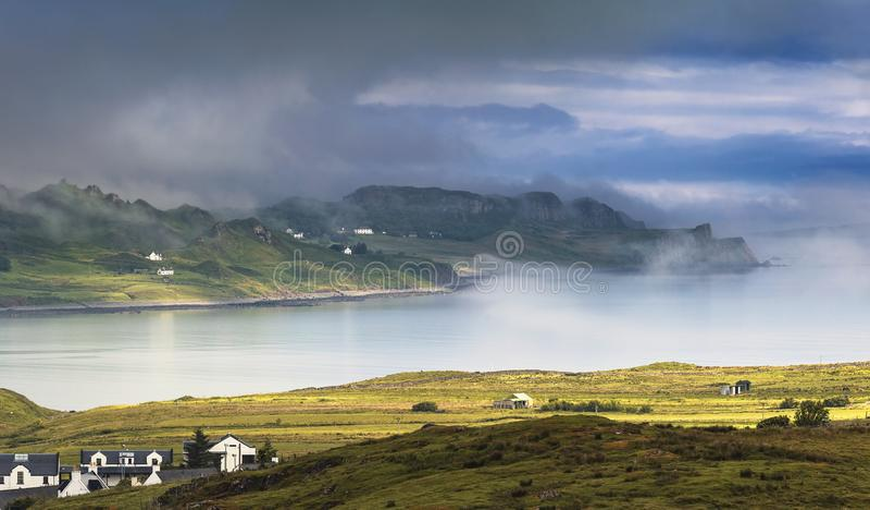 Misty Harbour in Schotland stock foto's