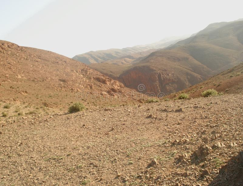 Misty High Atlas Mountains lizenzfreies stockfoto