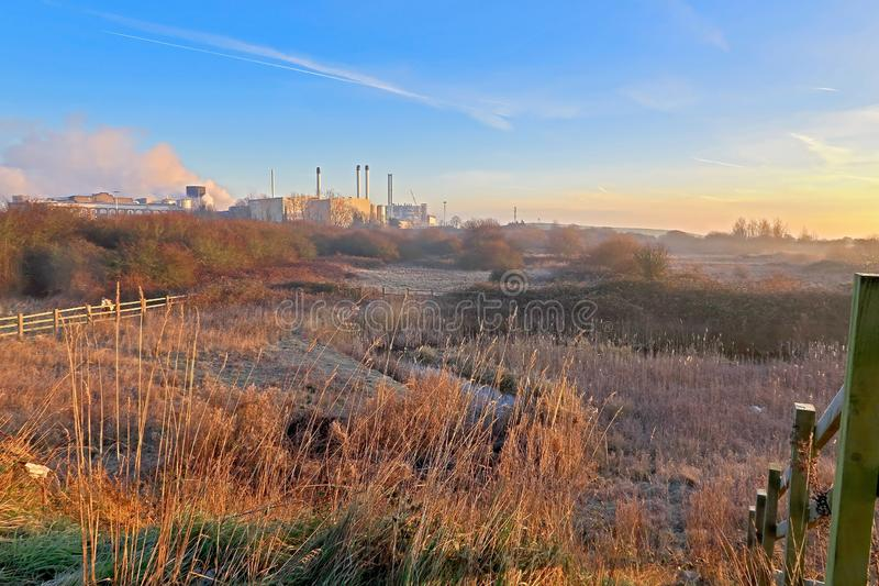Misty Morning over Milton Creek dichtbij Sittingbourne stock foto's