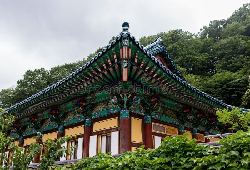 Misty Mountain Temple imágenes de archivo libres de regalías