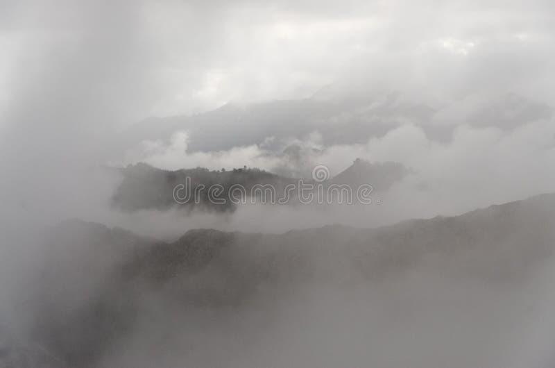 Misty Valleys Stock Foto's