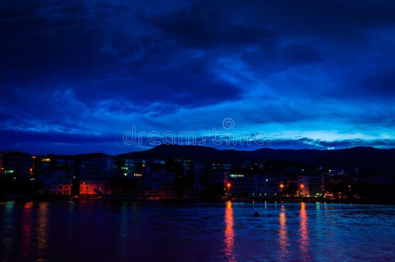 Mistyczny nadmorski wieczór zdjęcia stock