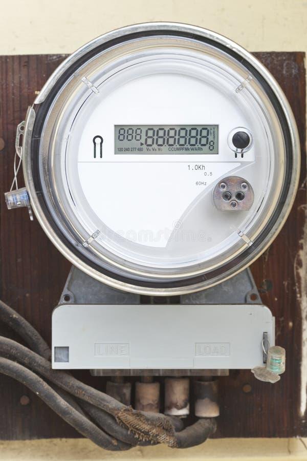 Misuratore di potenza digitale residenziale di griglia astuta immagine stock