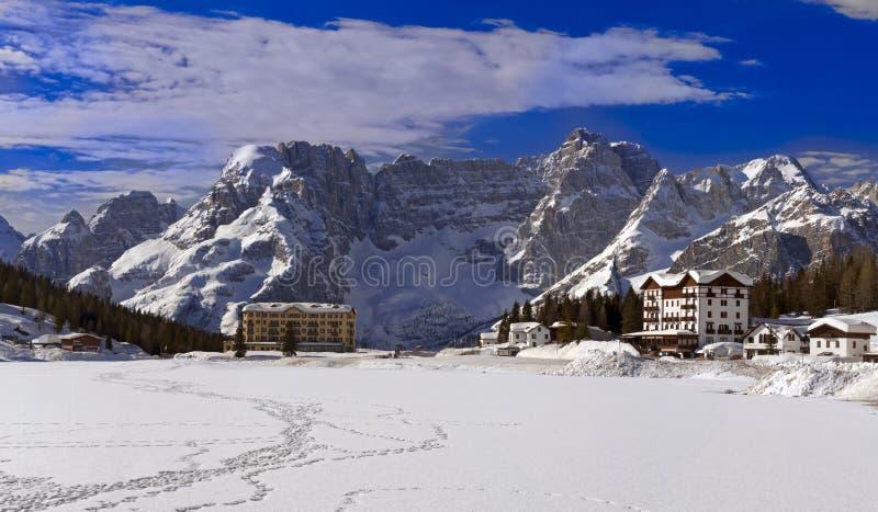 Misurina See in den Dolomit lizenzfreie stockfotos