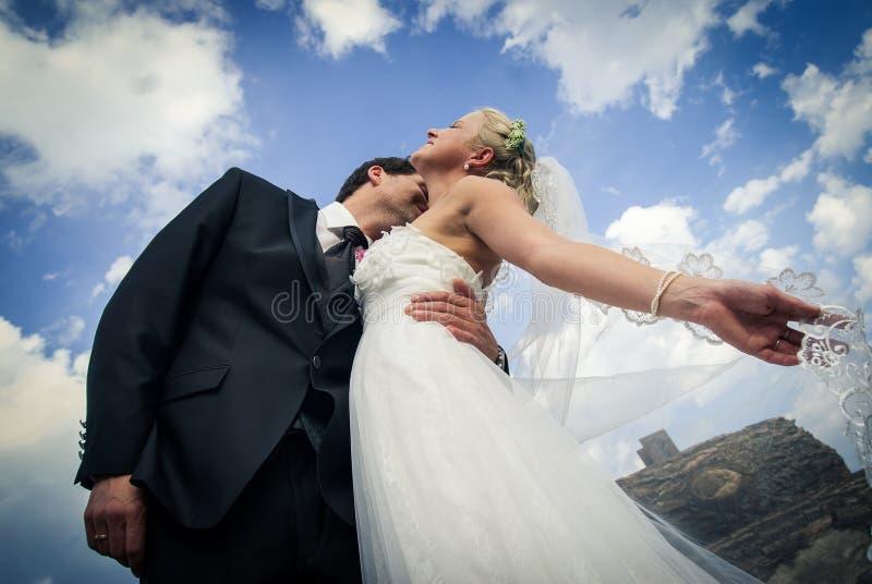 Mit dem Hochzeitskleid ` lizenzfreie stockbilder