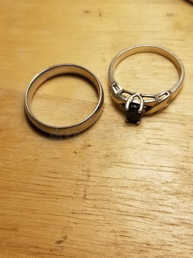 Mit diesem Ring I thee wed? stockbilder